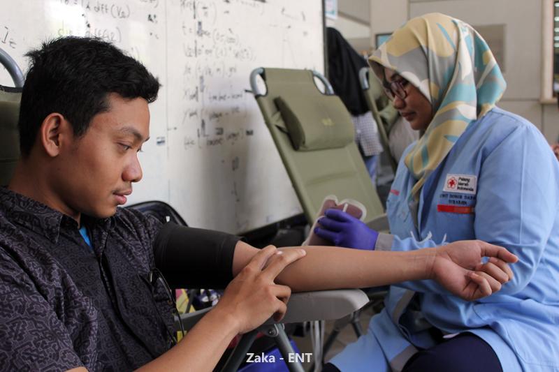 Donor Darah Jadi Agenda Rutin pada Serangkaian Kegiatan PENS Sehat