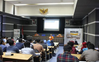 Tingkatkan Skill Public Speaking Melalui Decolgen Goes To Campus with 89.7 Hard Rock FM