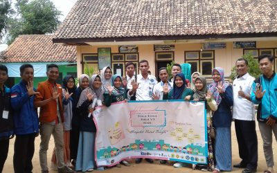 Bentuk Pengabdian kepada Masyarakat, Mahasiswa PENS Ikuti Kegiatan Bina Desa