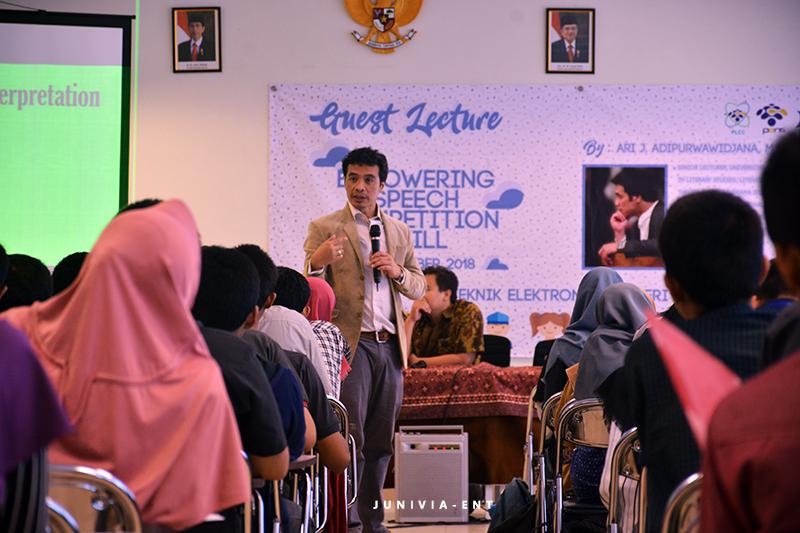 Kembali Gelar Guest Lecture and Coaching Clinic, PLCC Fokus Kembangkan Skill Bepidato