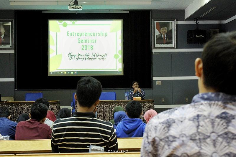 Seminar Entrepreneurship : Kenalkan Wirausaha Kreatif Kepada Mahasiswa SPE