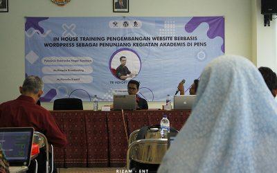 Prodi MMB Tunjang Kegiatan Akademis Melalui In House Training Pengembangan Website