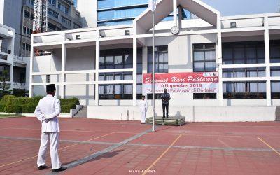 Peringati Hari Pahlawan, Seluruh Mahasiswa Baru PENS Ikuti Upacara Bendera