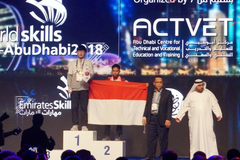 Mahasiswa PENS Raih Medali Perak Dalam World Skills Asia–Abu Dhabi 2018