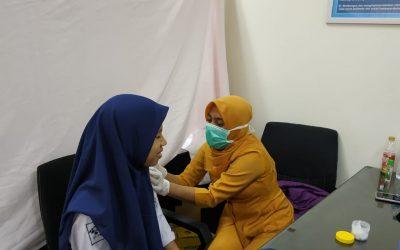 Cegah Wabah Difteri, Mahasiswa PENS Diimunisasi