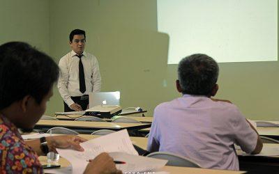 Pantau Kemajuan Tesis Mahasiswa, PENS Helat Seminar Proposal dan Progres Tesis