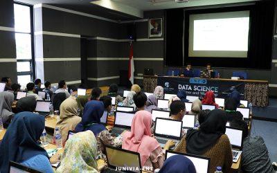 Kenalkan Ilmu Pengolahan Data, Hima Telkom Gelar Data Science Seminar and Workshop
