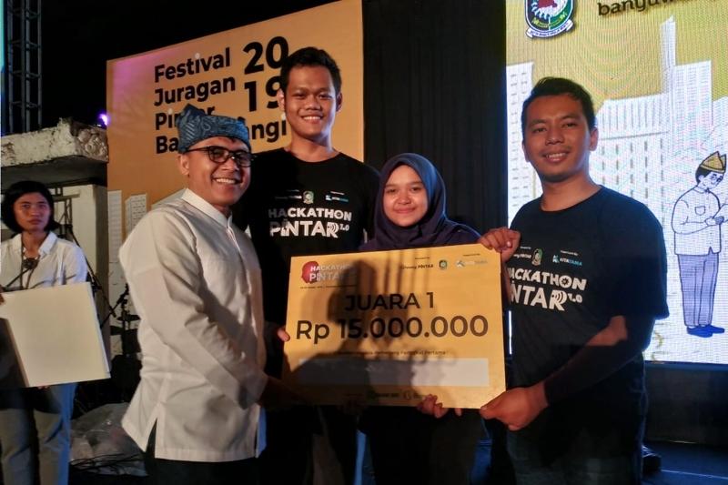 Kembali Torehkan Prestasi, Mahasiswa PENS Bawa Pulang Juara Hackathon Pintar 1.0