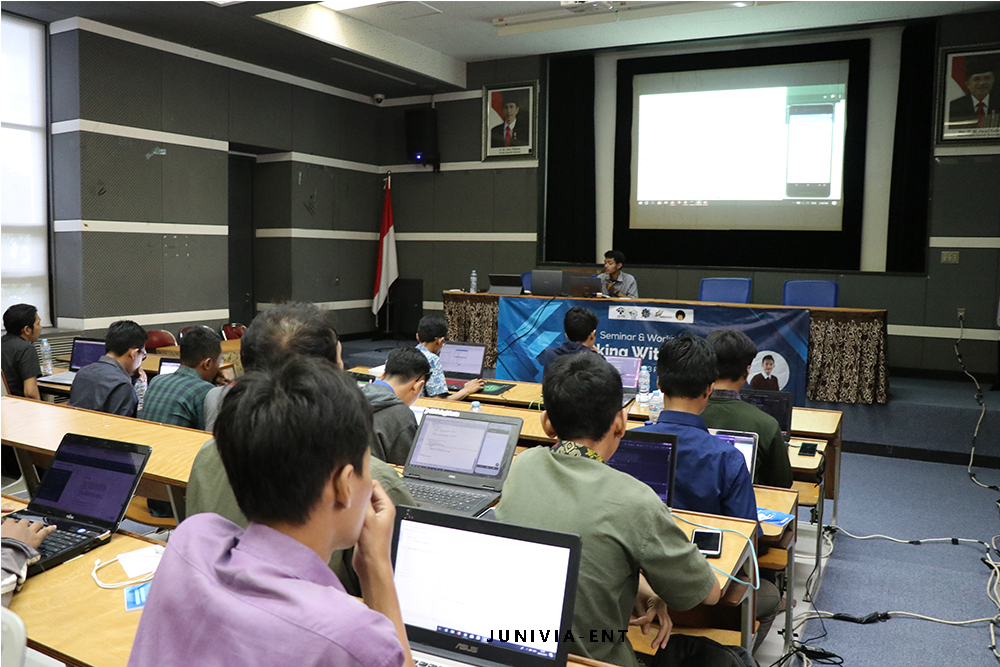"Puluhan Peserta Padati Seminar dan Workshop ""Working with Flutter"""