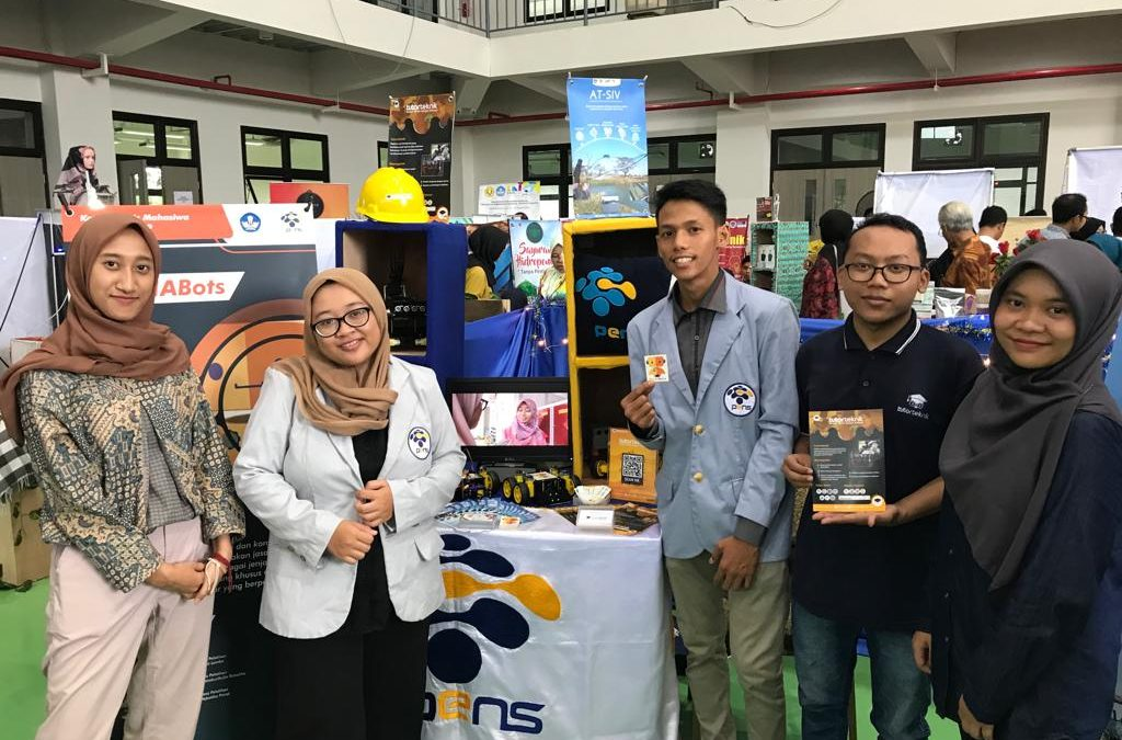 Tiga Usaha Karya Mahasiswa PENS Sukses Ikuti Ajang Expo KMI 2019