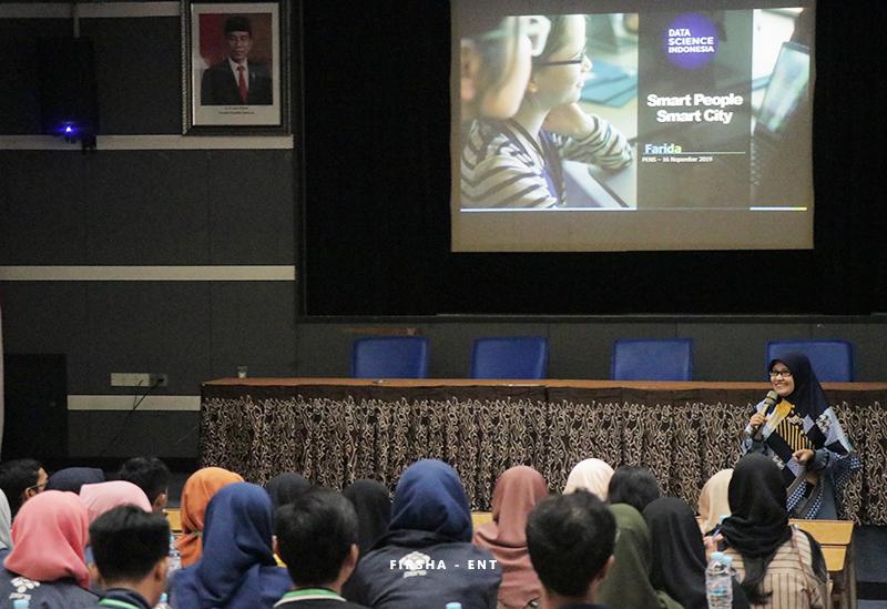 Seminar Smart City, Perkuat Mahasiswa PENS pada Implementasi IoT