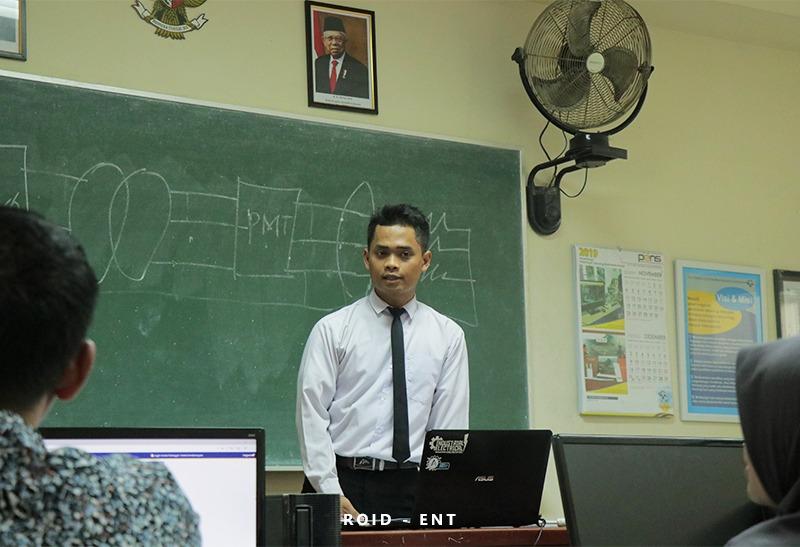Mahasiswa Tingkat Akhir PENS Jalani Seminar PPA serta Seminar PA Tahap 1