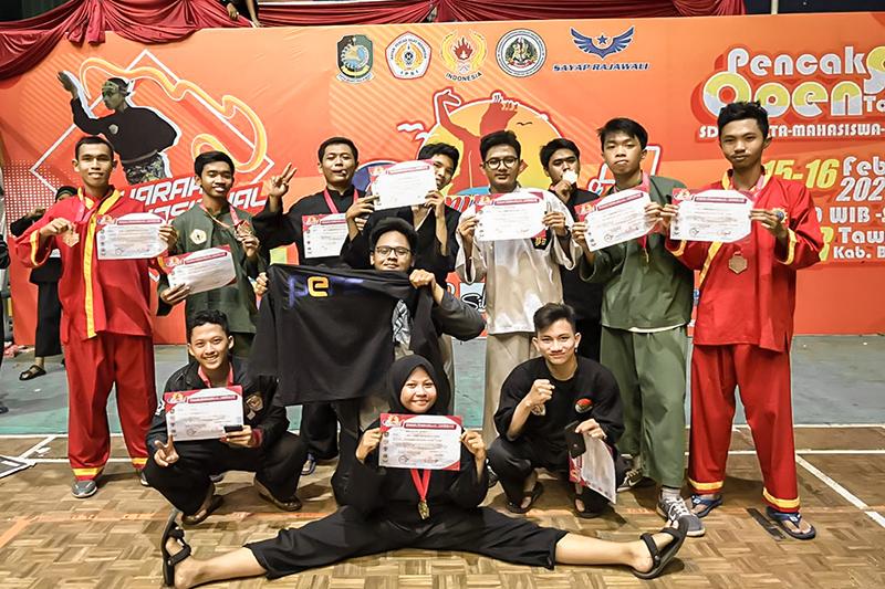 Delegasi Pencak Silat PENS Raih 11 Medali dalam Ajang Banyuwangi International Championship 1