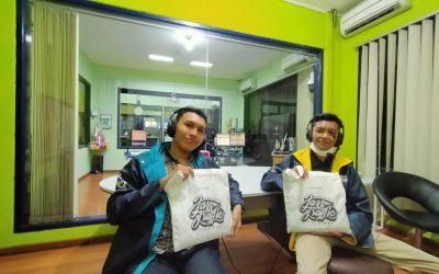 Tim Gena PENS Jadi Pembicara di Talkshow Muda Luar Biasa, Radio Suara Surabaya