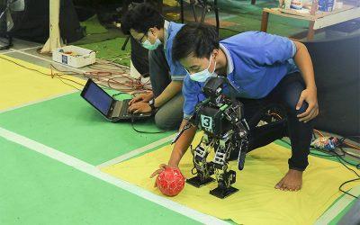 EROS Kembali Menelan Dua Kekalahan pada Kategori Lomba Kerjasama Robot Melawan R-SQUAD dan AL-AADIYAT