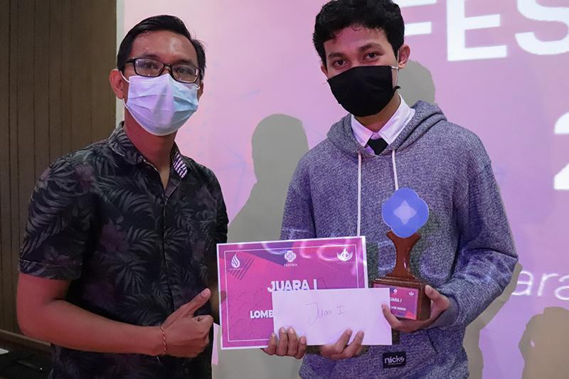 FESTIKA 2020 Nobatkan Mahasiswa PENS Juara 1 Kategori Web Design